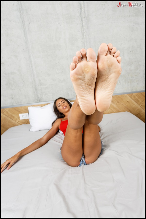 Noemi's World - Adele - You need her rough soles all over your face! - Femdom Pictures