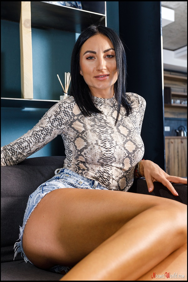Noemi's World - Florence - You should soften her soles with your tongue! - Femdom Pictures