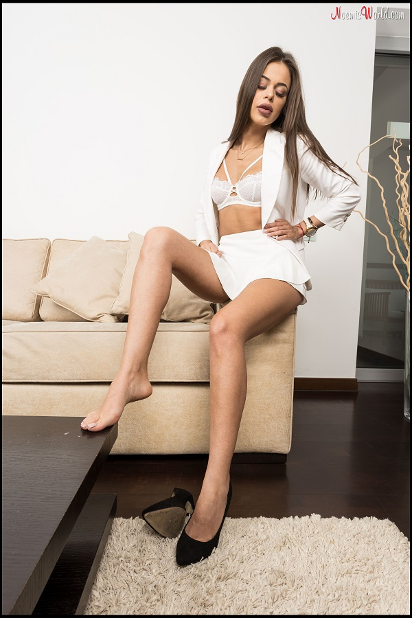 Noemi's World - Amy - This hottie and her long toes! - Femdom Pictures