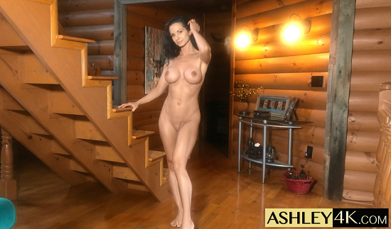 Ashley Sinclair - Jerk to Muscular Girl - Instructions