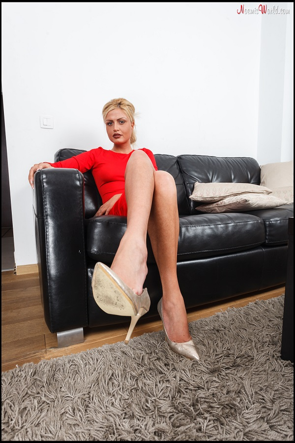 Noemi's World - Madeline - When she ignores you and shows you her soles - Femdom Pictures